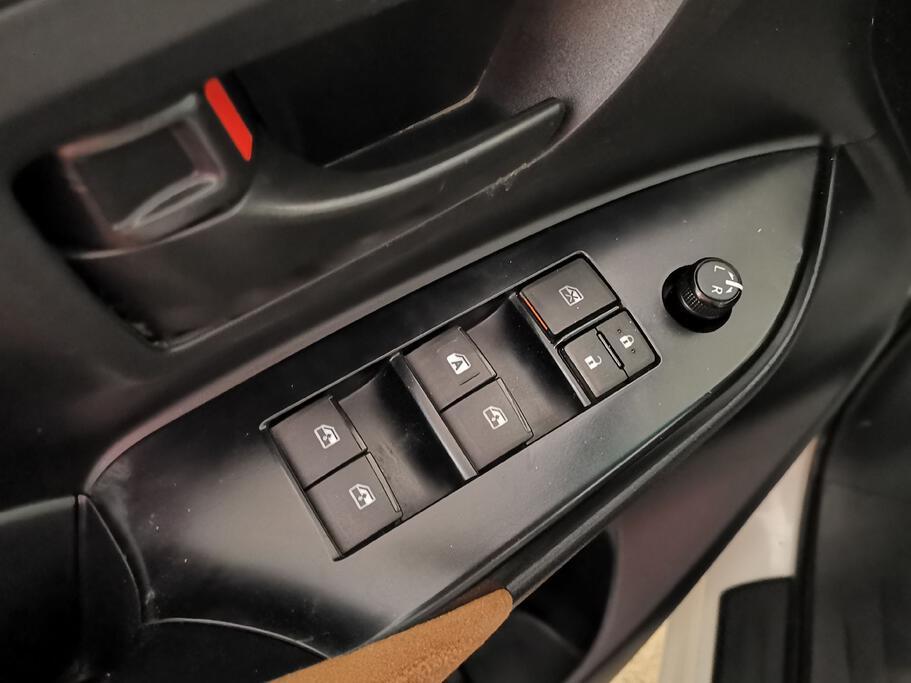 تقدم بطلب شراء Toyota Innova STD 2017 Standard  - 55187 - صوره