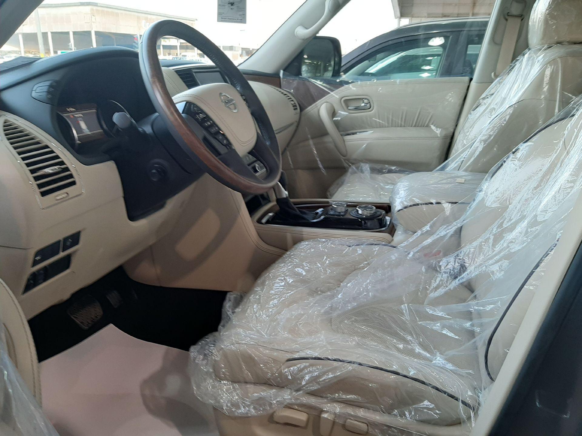 نيسان باترول بلاتينيوم 2020 سعودي فل جديد للبيع في الرياض - السعودية - صورة كبيرة - 7