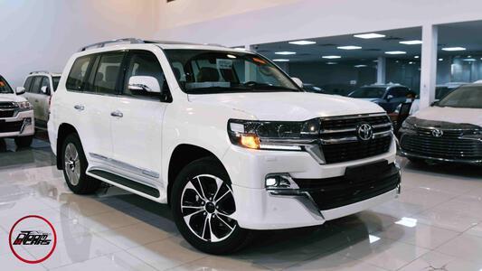 سيارة تويوتا لاندكروزر  2021  GXR3  جراند تورنج  بنزين مخمل سعودي للبيع