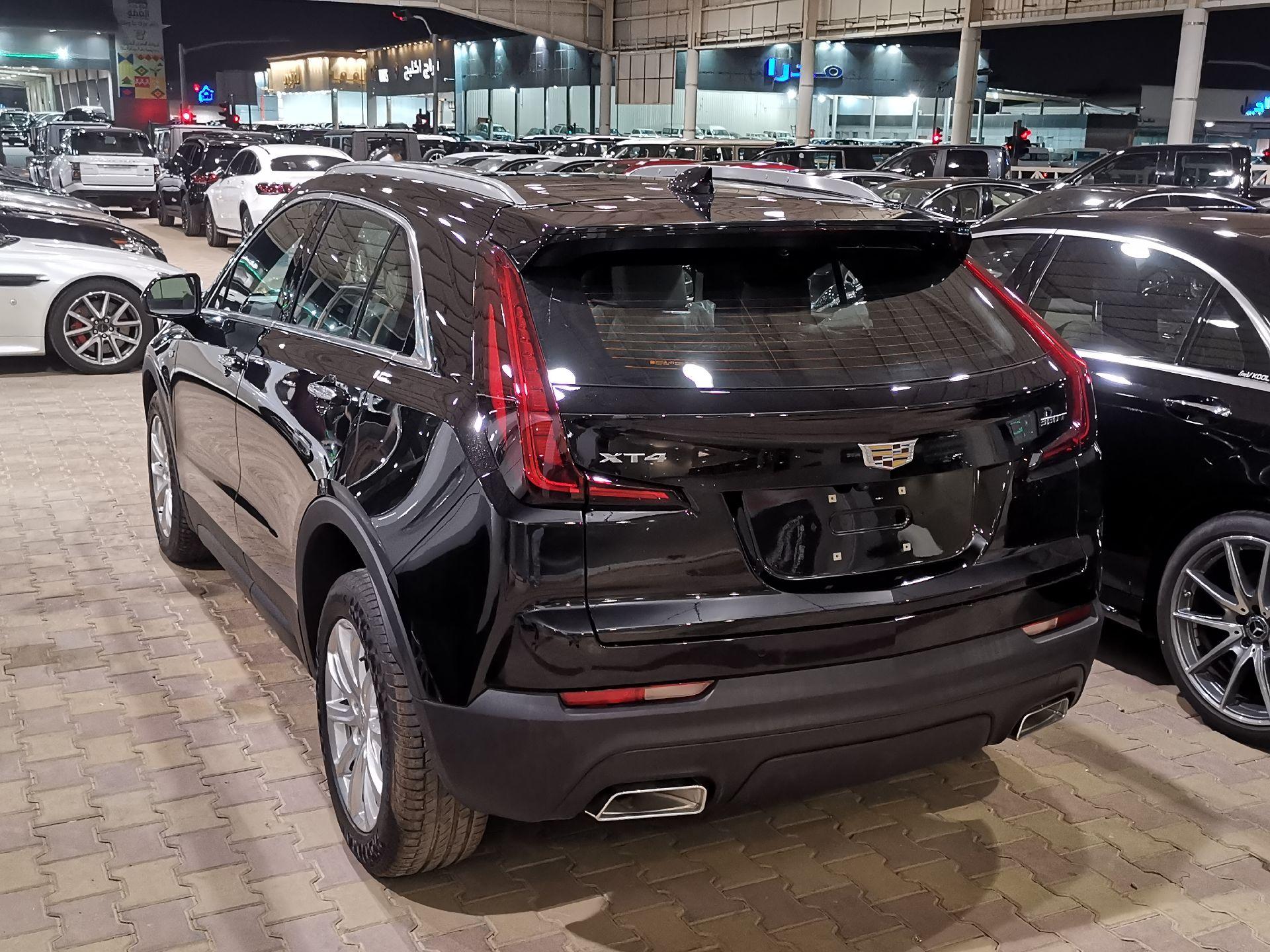 كاديلاك XT4  نص فل 2020 خليجي جديد للبيع في الرياض - السعودية - صورة كبيرة - 4