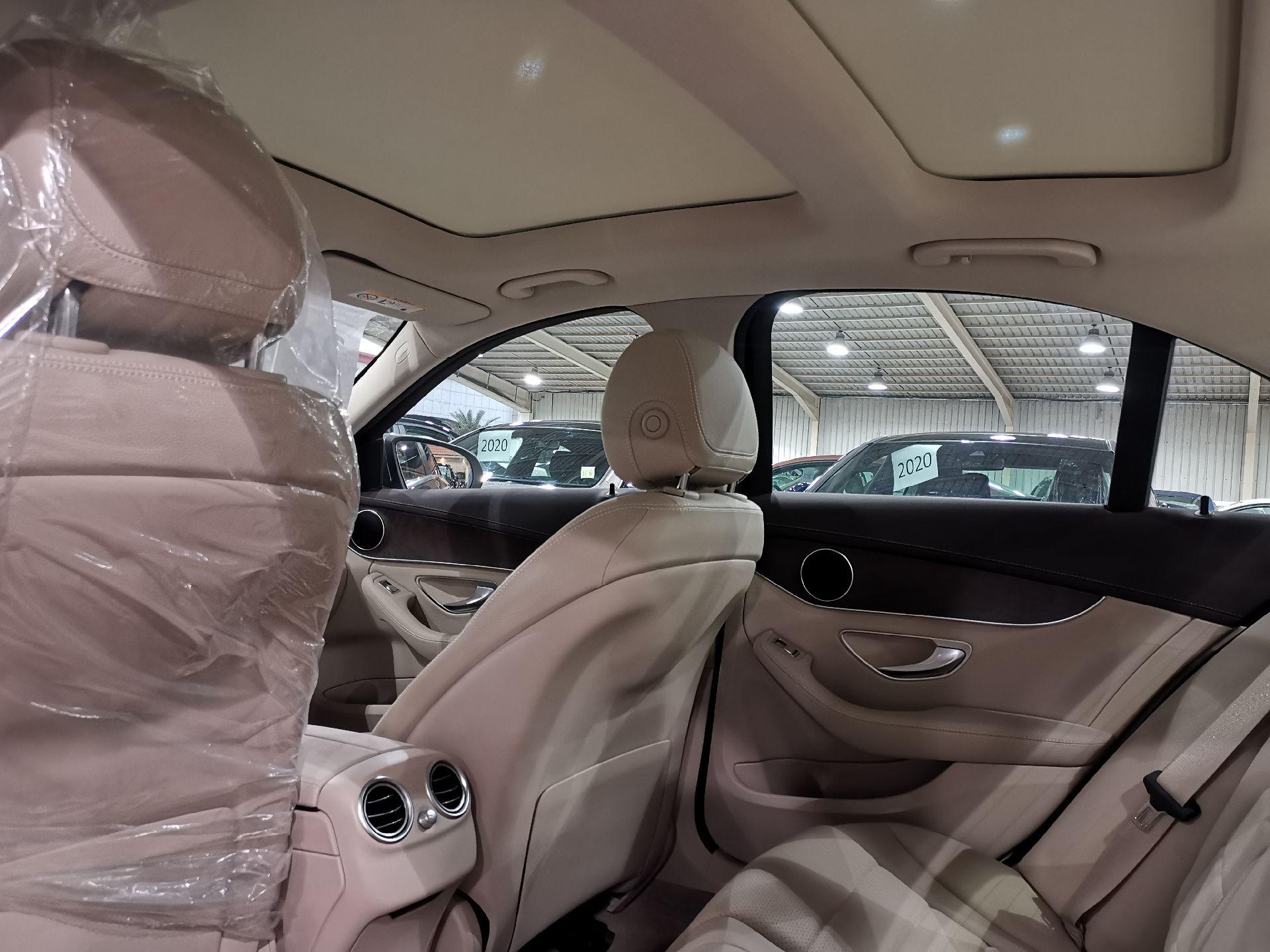 مباع - مرسيدس C200 نص فل 2020 ألماني للبيع في الرياض - السعودية - صورة كبيرة - 6