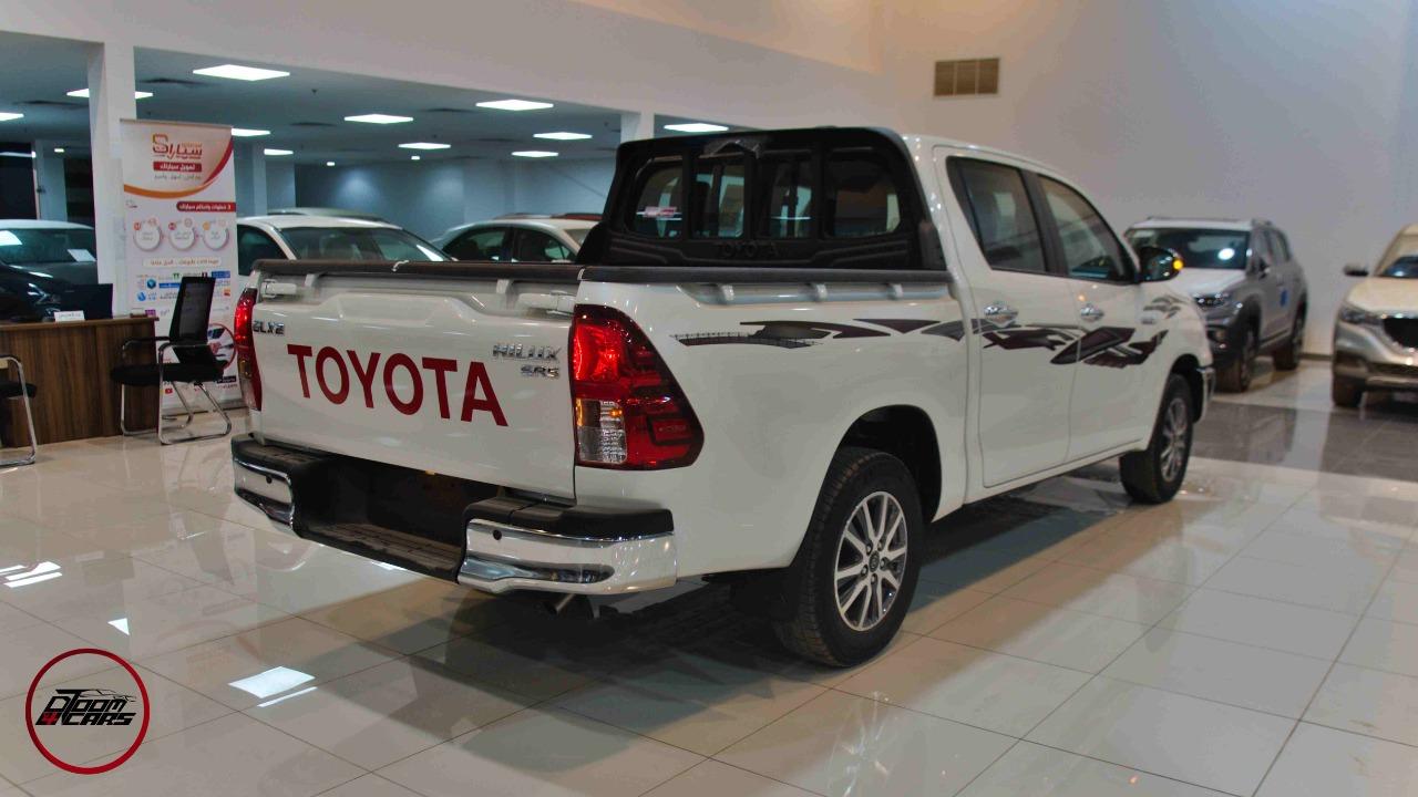 تويوتا هايلكس 2021 جنوط   GLX2 غمارتين بنزين سعودي  للبيع في الرياض - السعودية - صورة كبيرة - 2