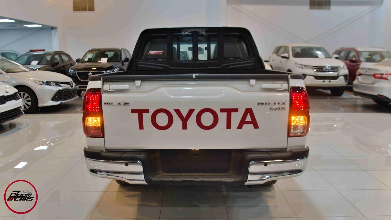 تويوتا هايلكس 2021 جنوط   GLX2 غمارتين بنزين سعودي  للبيع في الرياض - السعودية - صورة كبيرة - 3