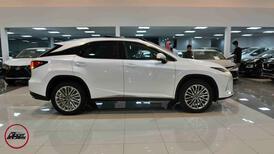 لكزس RX 350 م 2021 فئة 2021  جيب BB سعودي فل جديد _ شامل الضريبة للبيع في الرياض - السعودية - صورة صغيرة - 2