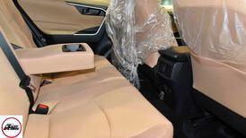 تويوتا راف فور 2021 ستاندر LE هايبرد سعودي  للبيع في الرياض - السعودية - صورة صغيرة - 9