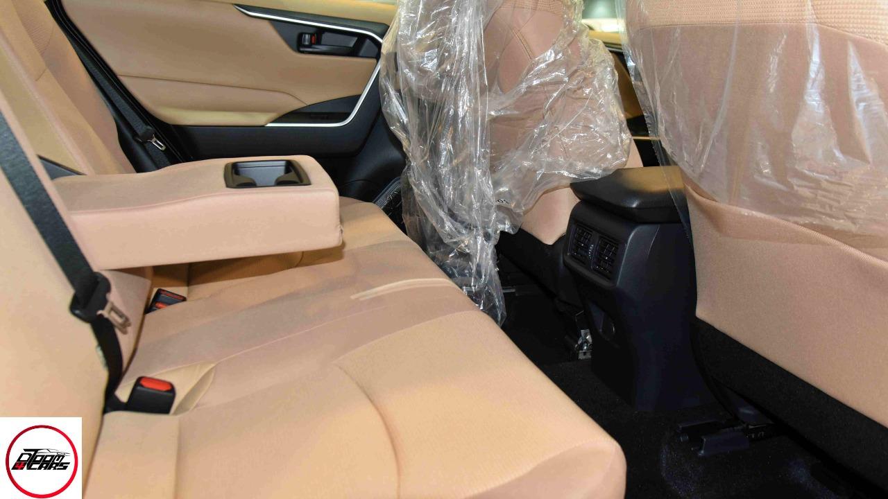 تويوتا راف فور 2021 ستاندر LE هايبرد سعودي  للبيع في الرياض - السعودية - صورة كبيرة - 9