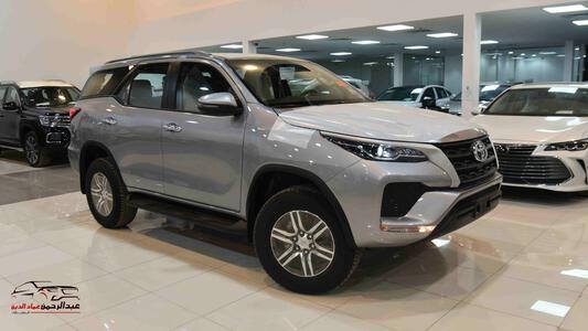 سيارة تويوتا فورتشنر 2021   GX2 دبل 4 سلندر  بنزين  سعودي جديد للبيع