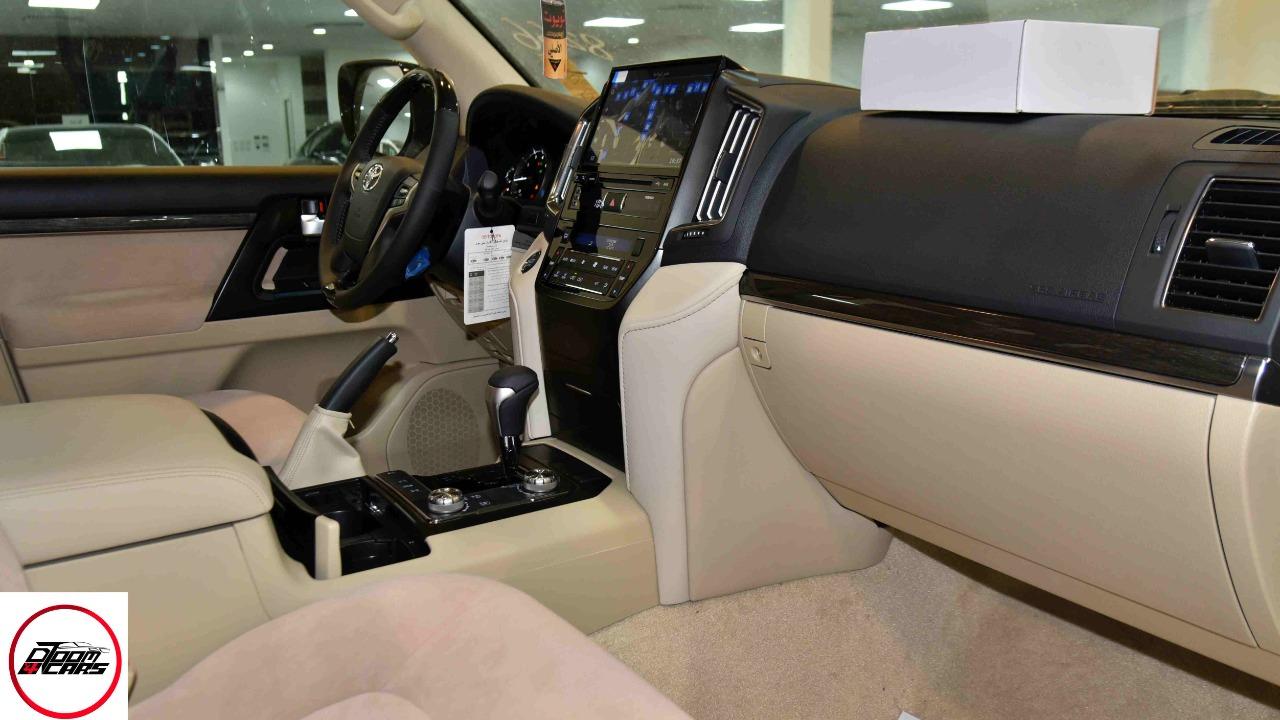 تويوتا لاندكروزر  2021 3 GXR تورنج  مخمل 6 سلندر بنزين فل  سعودي  للبيع في الرياض - السعودية - صورة كبيرة - 6