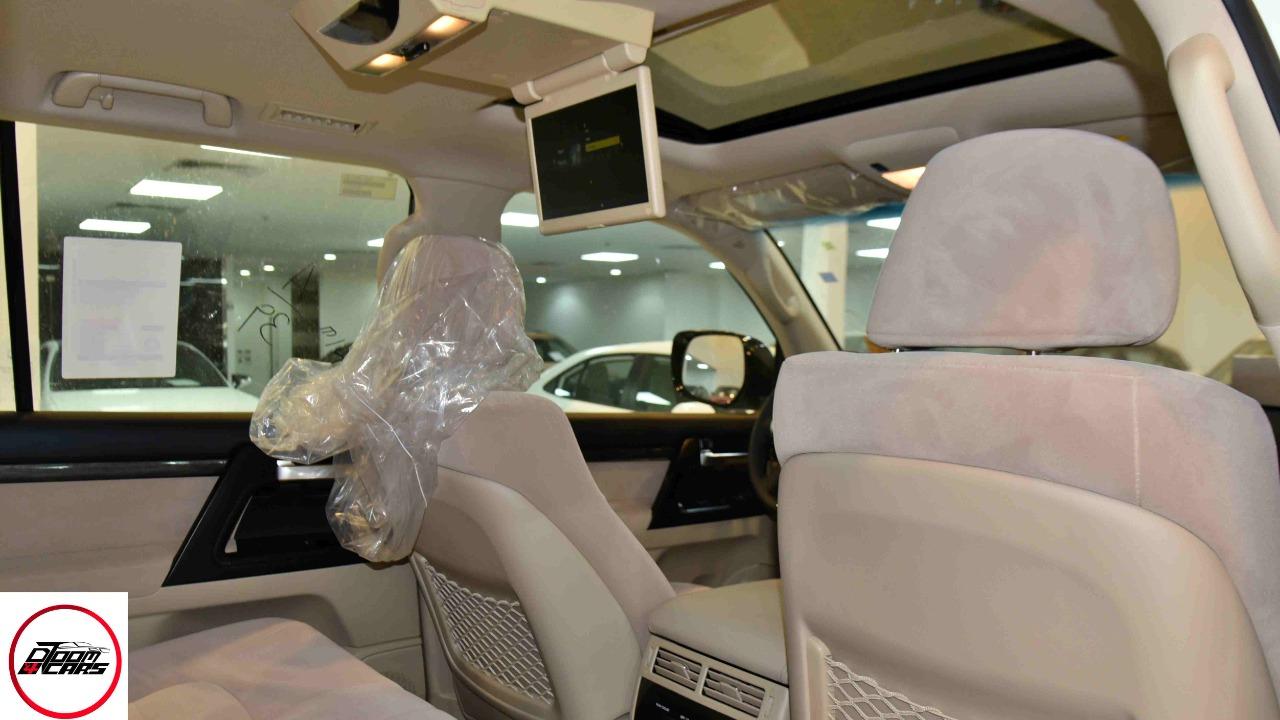 تويوتا لاندكروزر  2021 3 GXR تورنج  مخمل 6 سلندر بنزين فل  سعودي  للبيع في الرياض - السعودية - صورة كبيرة - 11