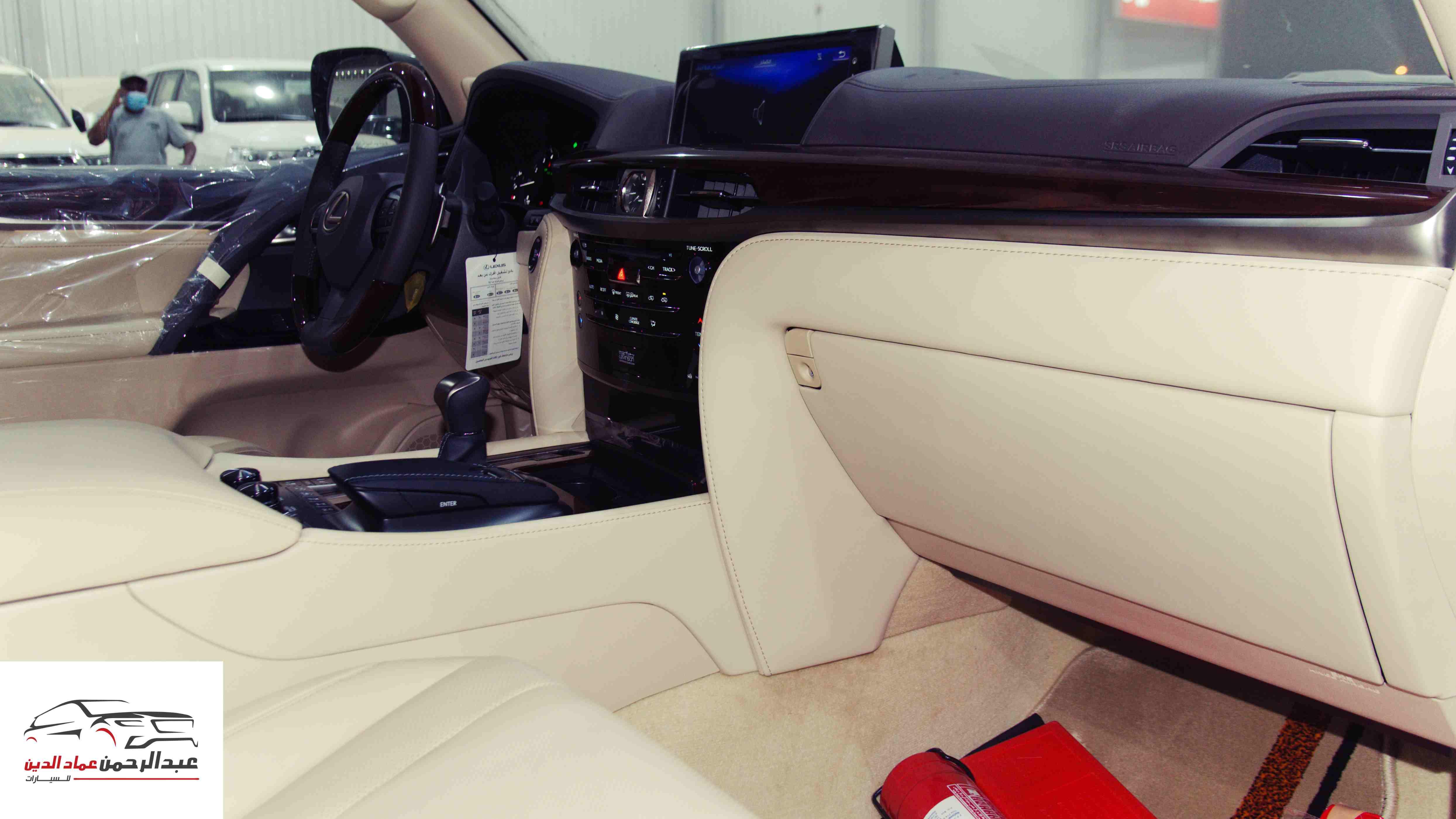 لكزس 2021   LX 570 فئة S S ابواب شفط  بريمي آخر دفعة  للبيع في الرياض - السعودية - صورة كبيرة - 9