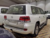 تويوتا لاندكروزر VXR خليجي 2021 نص فل جديد للبيع في الرياض - السعودية - صورة صغيرة - 3