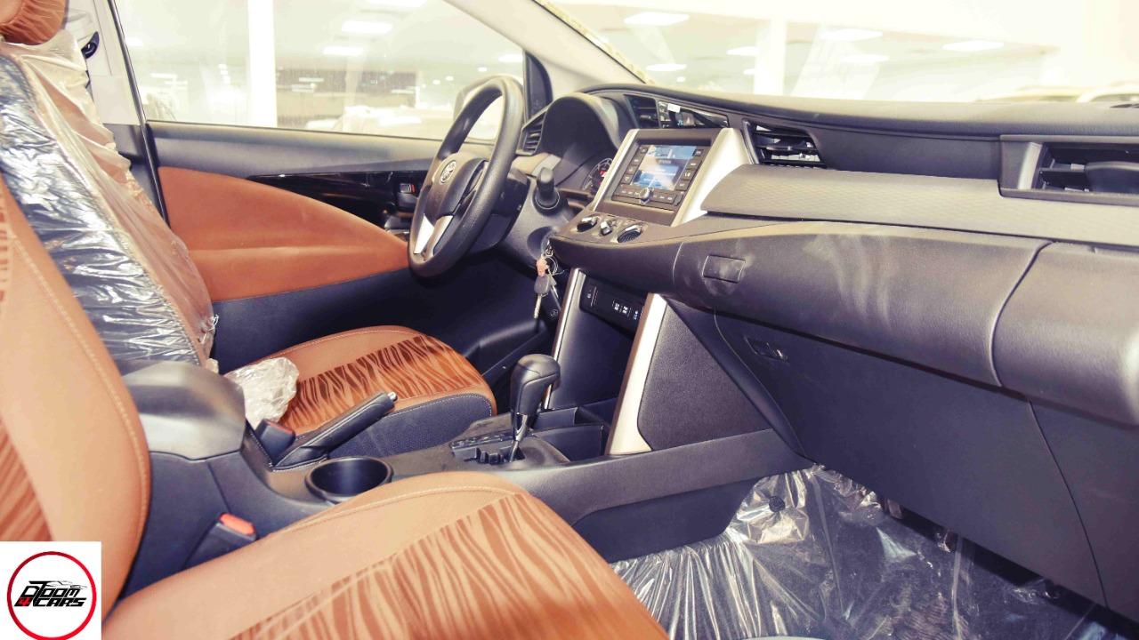 تويوتا اينوفا 2021 ستاندر ديزل سعودي   للبيع في الرياض - السعودية - صورة كبيرة - 11