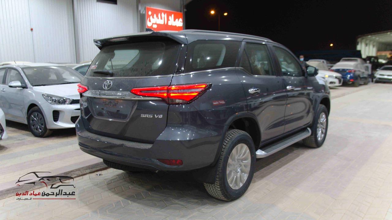 تويوتا فورتشنر2021  VX3   فل كامل 4.0 بنزين سعودي للبيع في الرياض - السعودية - صورة كبيرة - 2