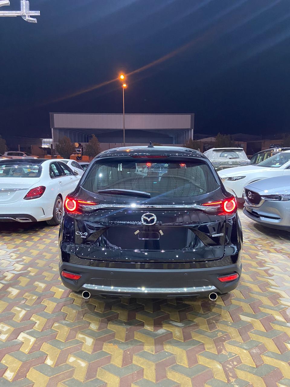 مازدا CX9 2020 سجنتشر فل خليجي للبيع في الرياض - السعودية - صورة كبيرة - 3