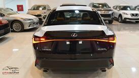 لكزس ( IS 300 ) سعودي 2021 كلاسيك AA جديد _ شامل الضريبة للبيع في الرياض - السعودية - صورة صغيرة - 5