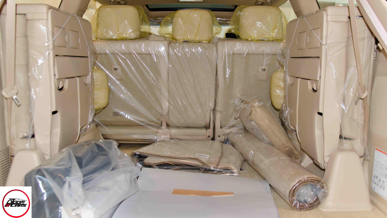 لكزس LX570- 2021   فل SS  سعودي جديد للبيع في الرياض - السعودية - صورة كبيرة - 12