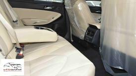 تويوتا افالون XLE   2021 ستاندر سعودي اللون  أبيض  للبيع في الرياض - السعودية - صورة صغيرة - 8