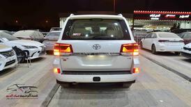 تويوتا لاندكروزر GXR2 2021  بلس 6 سلندر بنزين   سعودي  للبيع في الرياض - السعودية - صورة صغيرة - 4