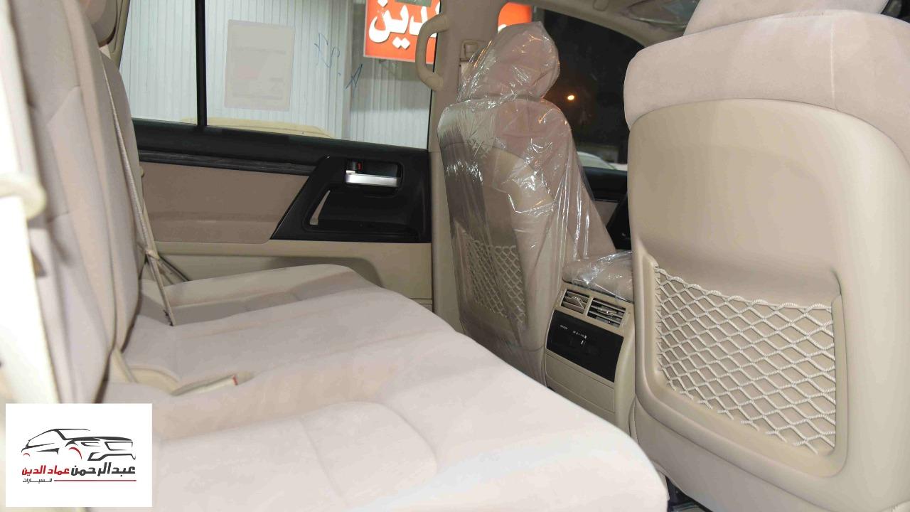 تويوتا لاندكروزر GXR2 2021  بلس 6 سلندر بنزين   سعودي  للبيع في الرياض - السعودية - صورة كبيرة - 8