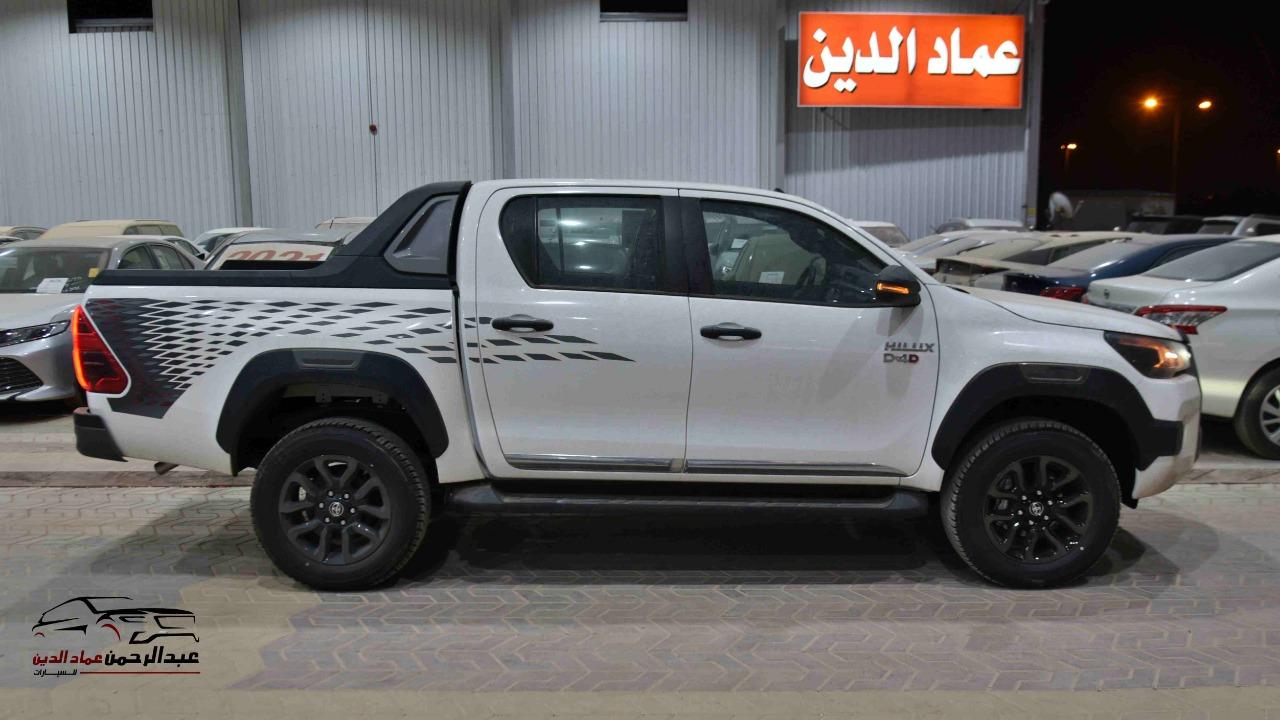 تويوتا هايلكس 2021 ادفنشر 4 سلندر دبل ديزل سعودي  للبيع في الرياض - السعودية - صورة كبيرة - 2