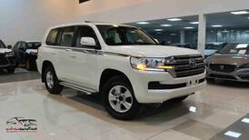 تويوتا لاندكروزر GXRخليجي 2020 بنزين V6 فتحة_شامل الضريبه للبيع في الرياض - السعودية - صورة صغيرة - 1