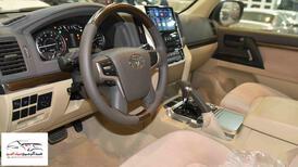 تويوتا لاندكروزر GXRخليجي 2020 بنزين V6 فتحة_شامل الضريبه للبيع في الرياض - السعودية - صورة صغيرة - 7