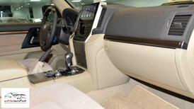 تويوتا لاندكروزر GXRخليجي 2020 بنزين V6 فتحة_شامل الضريبه للبيع في الرياض - السعودية - صورة صغيرة - 8