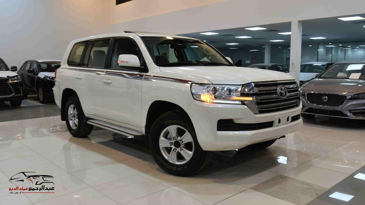 تويوتا لاندكروزر GXRخليجي 2020 بنزين V6 فتحة_شامل الضريبه للبيع في الرياض - السعودية - صورة كبيرة - 1