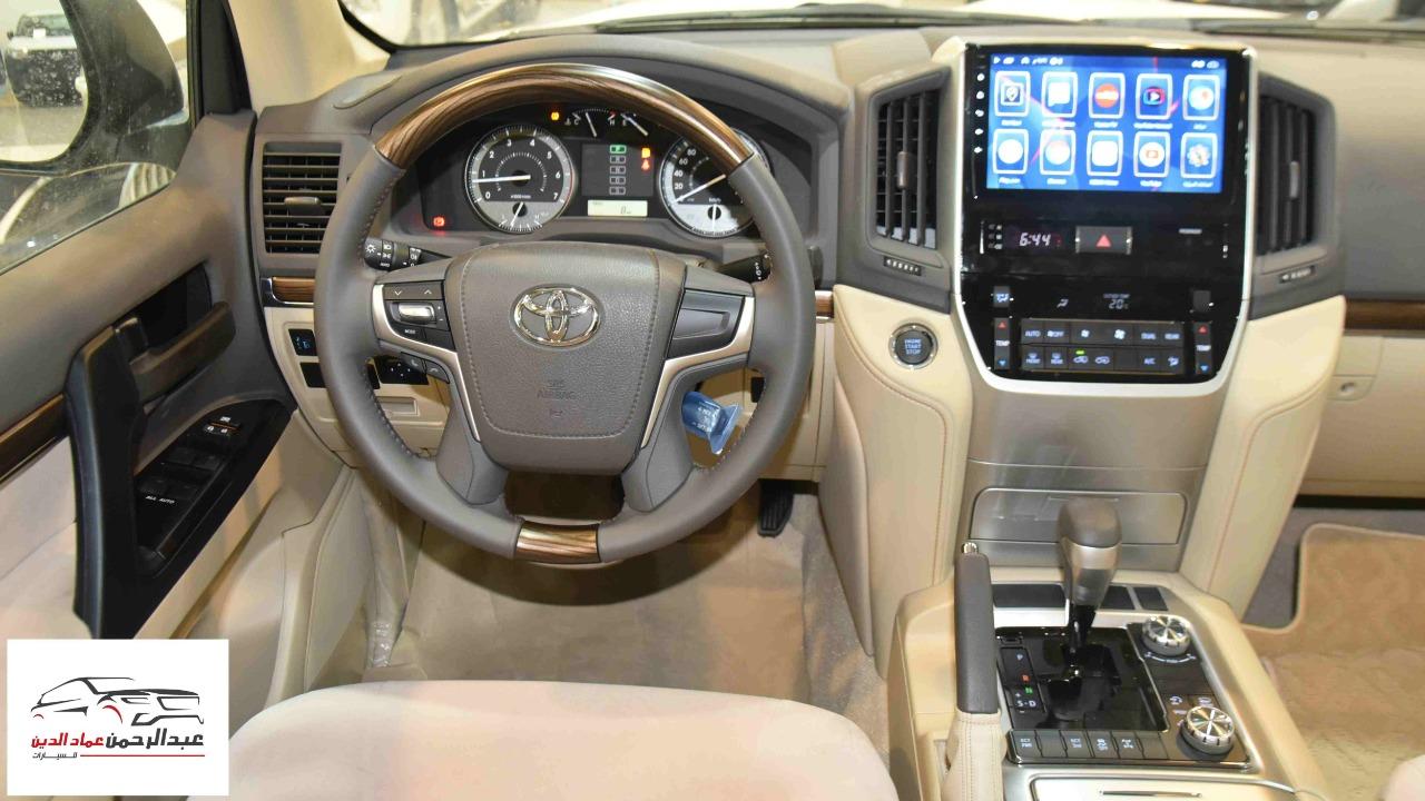 تويوتا لاندكروزر GXRخليجي 2020 بنزين V6 فتحة_شامل الضريبه للبيع في الرياض - السعودية - صورة كبيرة - 5