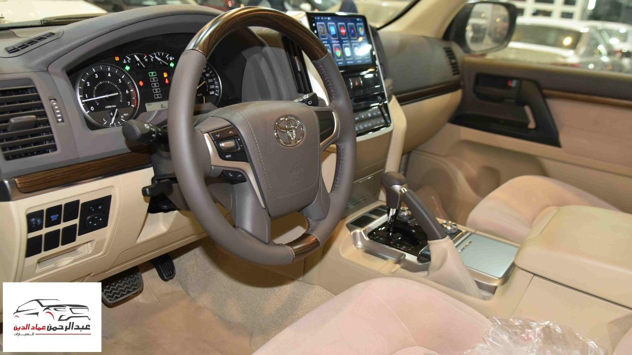 تويوتا لاندكروزر GXRخليجي 2020 بنزين V6 فتحة_شامل الضريبه للبيع في الرياض - السعودية - صورة كبيرة - 7
