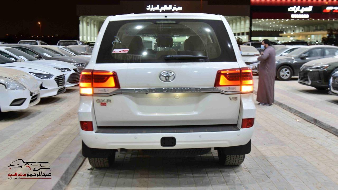 تويوتا لاندكروزر 2021   GXR1  بلس فتحة  6 سلندر بنزين سعودي للبيع في الرياض - السعودية - صورة كبيرة - 5