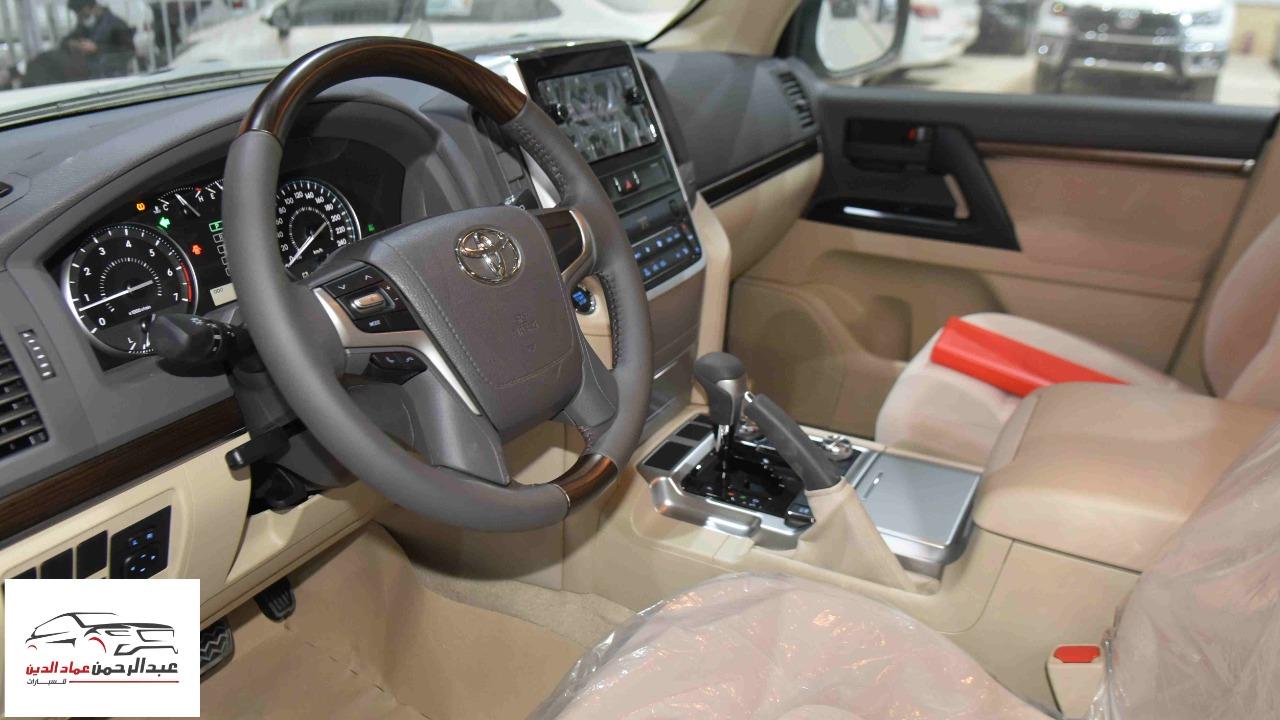 تويوتا لاندكروزر 2021 GXR1   بنزين 8 سلندر  خليجي جديد  للبيع في الرياض - السعودية - صورة كبيرة - 5