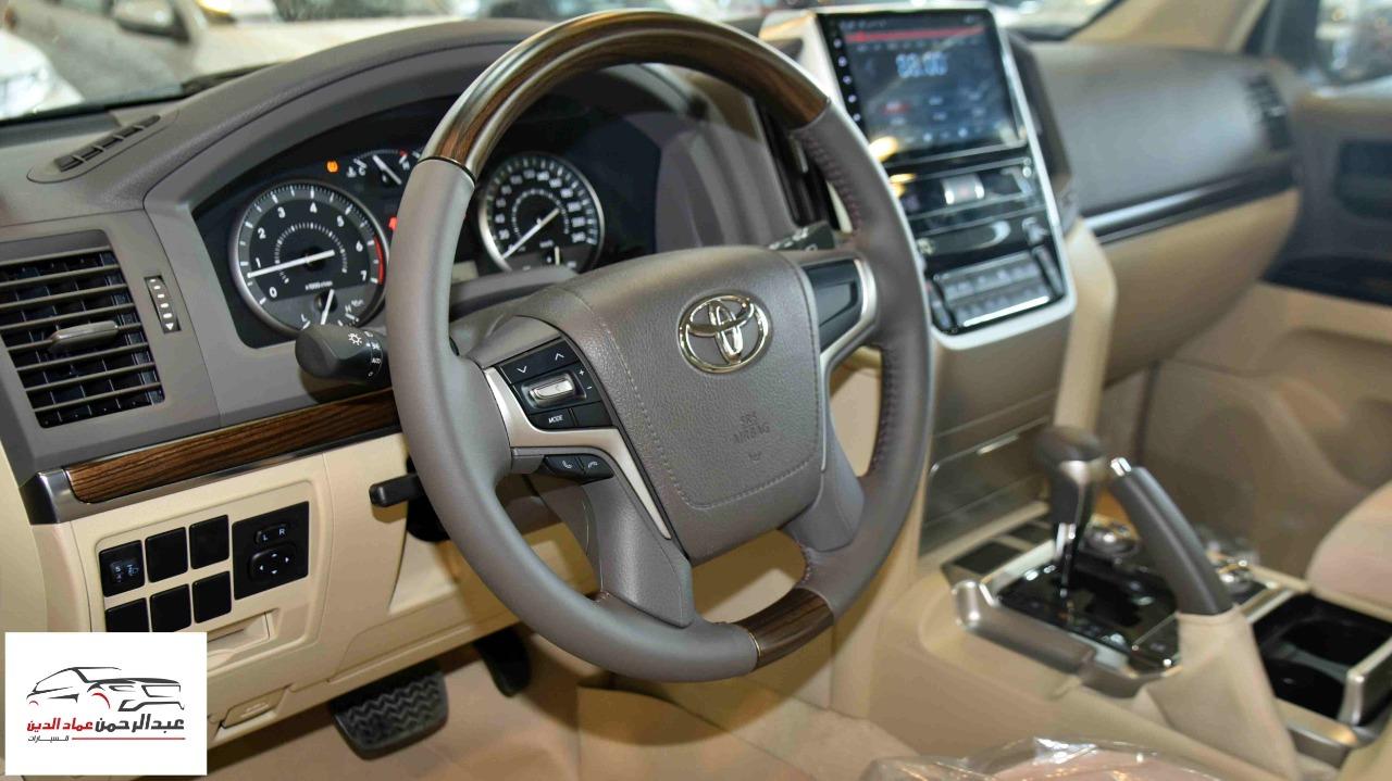 تويوتا لاندكروزر GXR1  2021 بنزين V8  خليجي للبيع في الرياض - السعودية - صورة كبيرة - 1