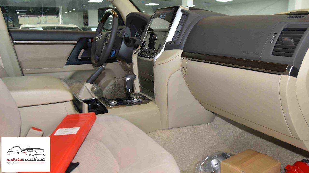 تويوتا لاندكروزر GXR1  2021 بنزين V8  خليجي للبيع في الرياض - السعودية - صورة كبيرة - 2