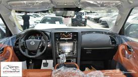 نيسان باترول 2021 بلاتنيوم V8 فل 400 حصان جديد للبيع في الرياض - السعودية - صورة صغيرة - 4