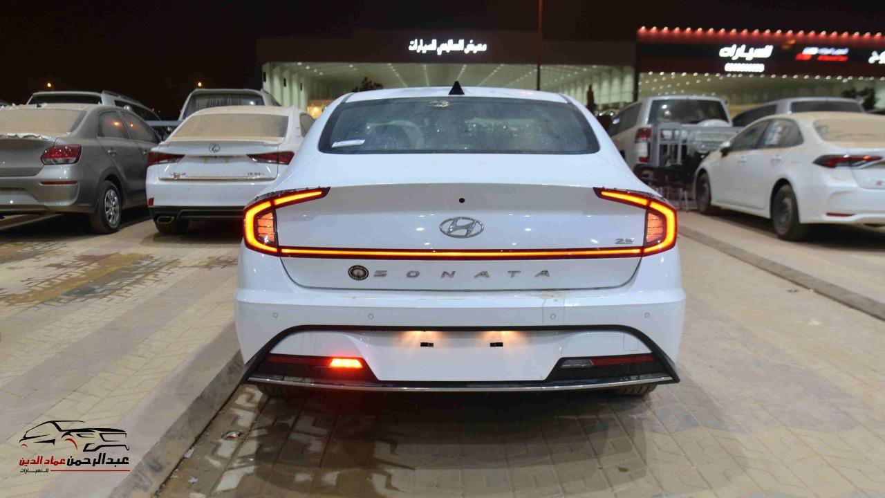 هونداي سوناتا 2021 سعودي 2500cc سمارت_شامل الضريبه للبيع في الرياض - السعودية - صورة كبيرة - 5