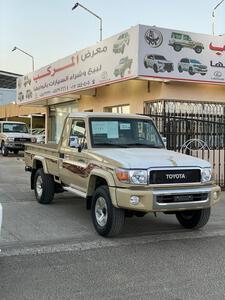 تويوتا شاص  رفرف جنوط بنزين2021 سعودى