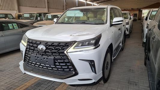 سيارة لكزس LX 570s فل 2021 بلاك اديشن دبل بريمي جديد للبيع