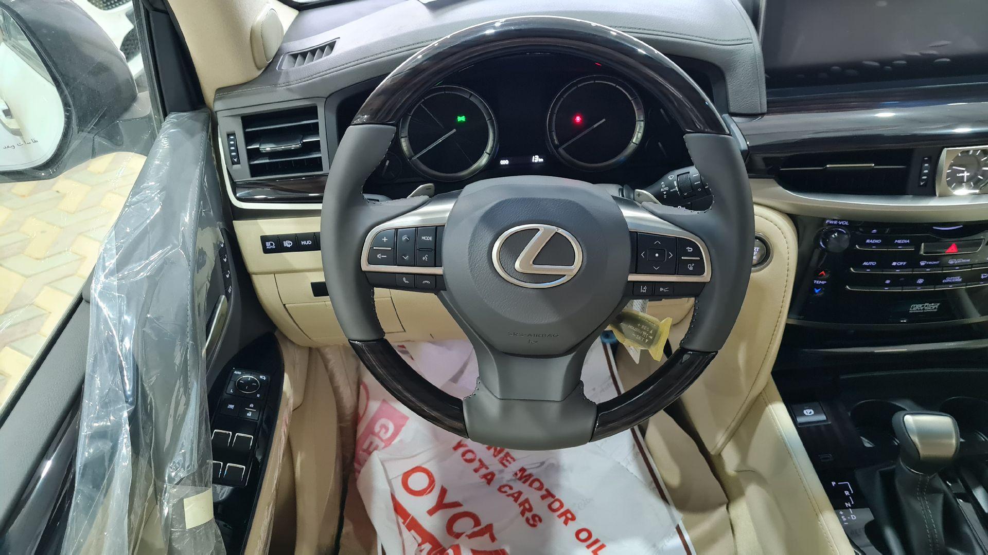 لكزس LX 570s فل  2021  دبل سعودي جديد للبيع في الرياض - السعودية - صورة كبيرة - 7