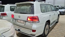 تويوتا لاندكروزر GXR  فل 2021 دبل قراند تورنج خليجي للبيع في الرياض - السعودية - صورة صغيرة - 3