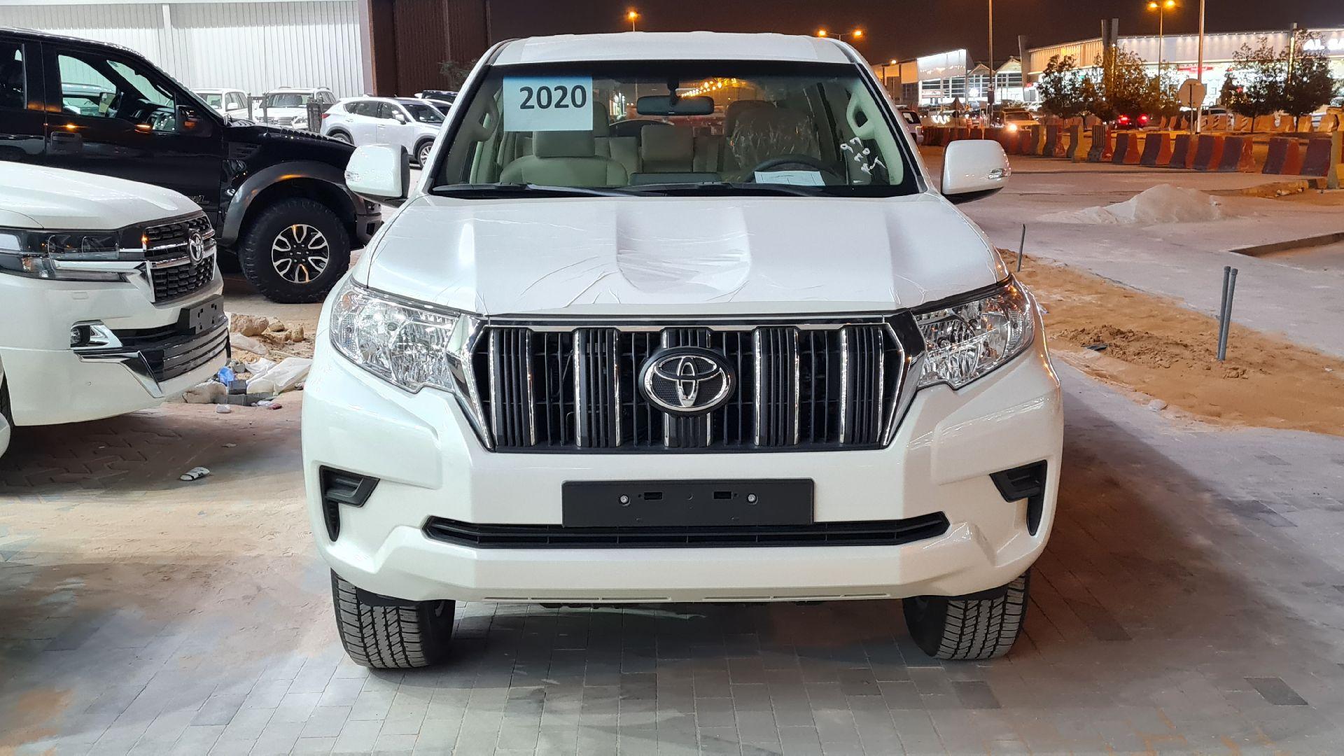 تويوتا برادو TXLنص فل 2020  دبل كويتي جديد للبيع في الرياض - السعودية - صورة كبيرة - 3