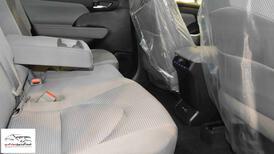 تويوتا هايلاندر  2021  GLE  دفع رباعي سعودي اللون فضي  للبيع في الرياض - السعودية - صورة صغيرة - 11