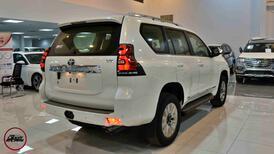 تويوتا برادو2021 VX1 بنزين  سعودي  للبيع في الرياض - السعودية - صورة صغيرة - 3