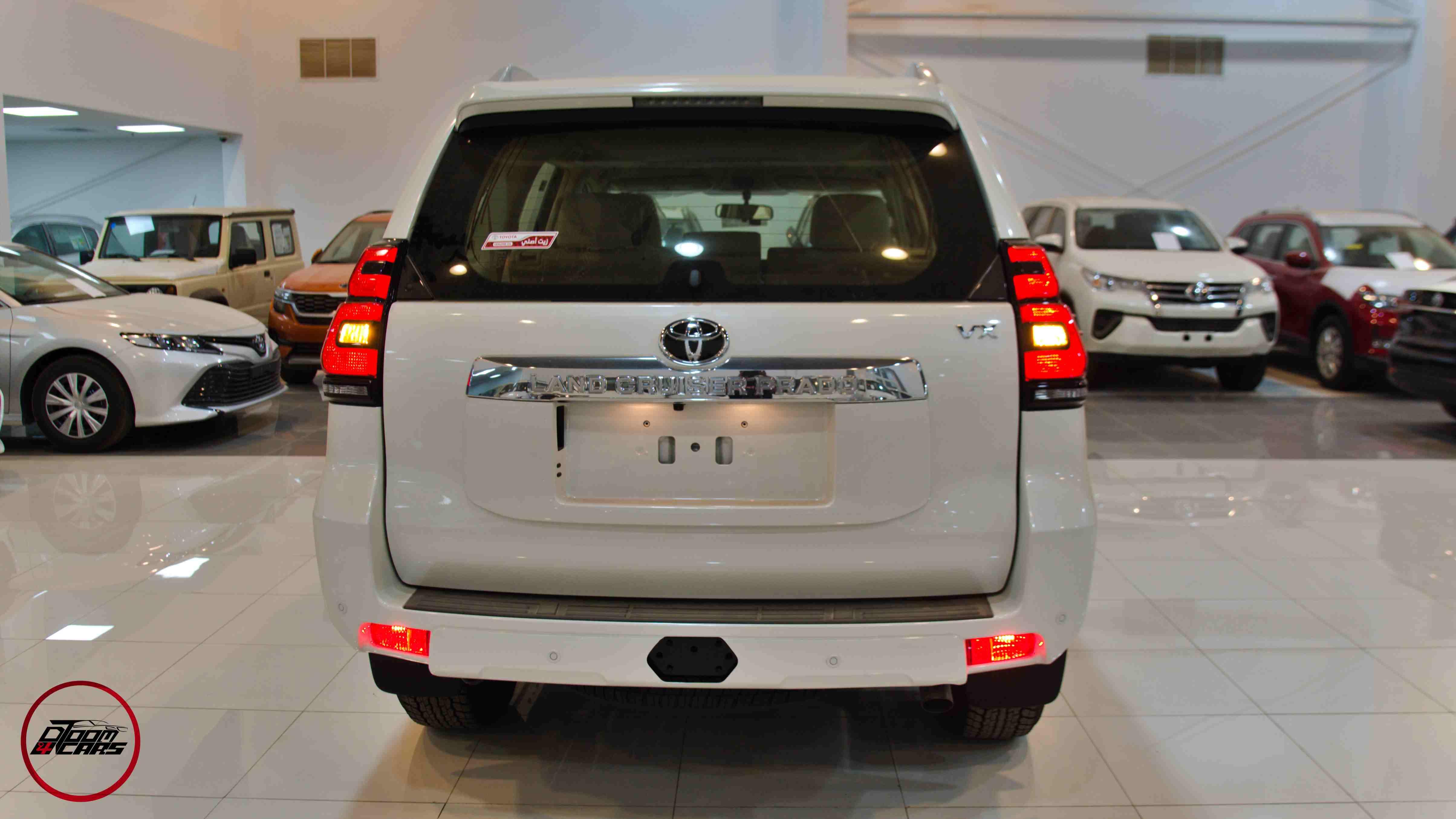 تويوتا برادو2021 VX1 بنزين  سعودي  للبيع في الرياض - السعودية - صورة كبيرة - 4