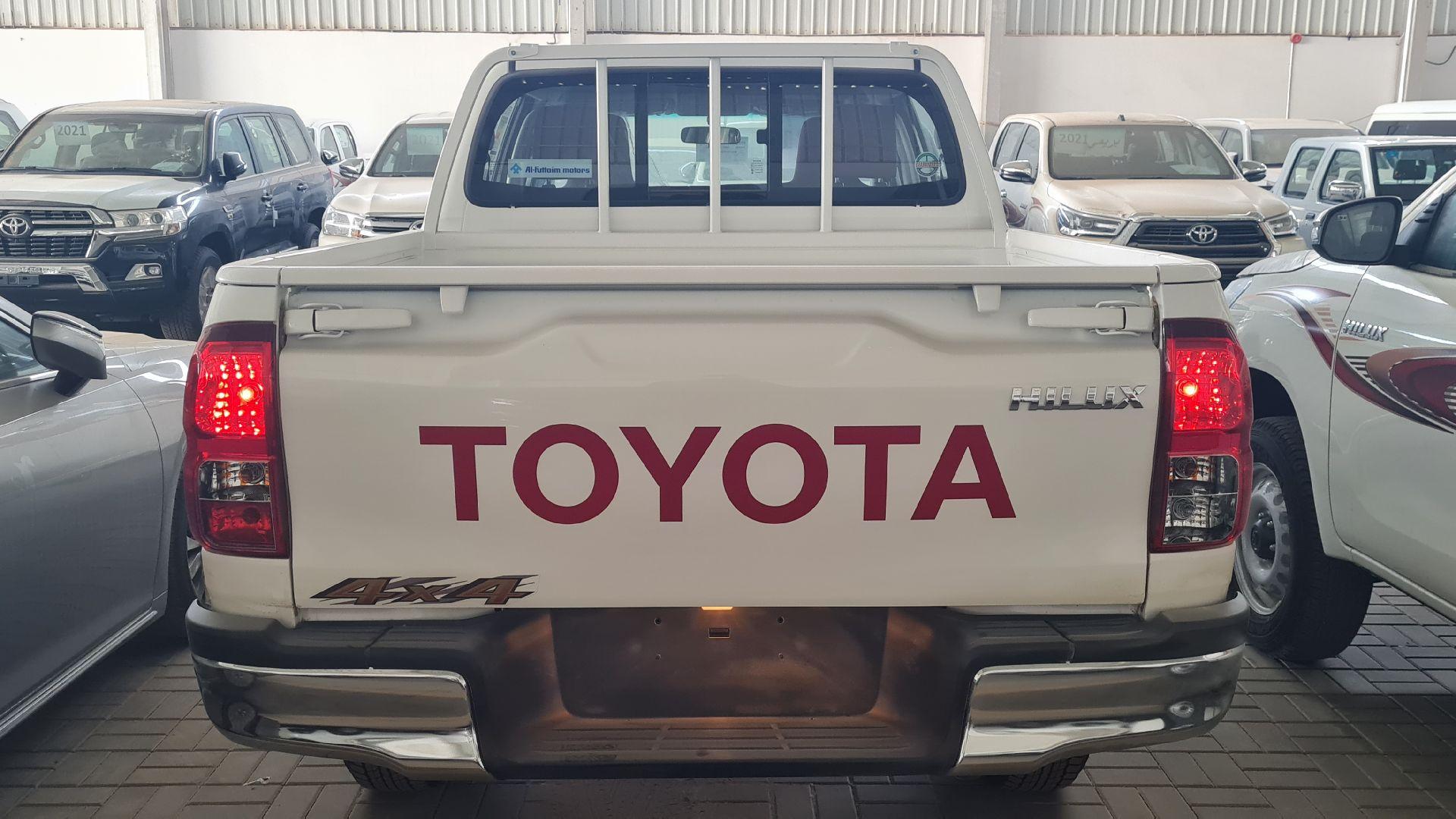 تويوتا هايلكس GL2 ستاندر  2021 دبل غمارتين ديزل خليجي جديد للبيع في الرياض - السعودية - صورة كبيرة - 5