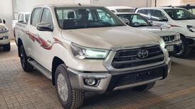 تويوتا هايلكس GLX.S 2021 فل بريمي للبيع في الرياض - السعودية - صورة صغيرة - 2