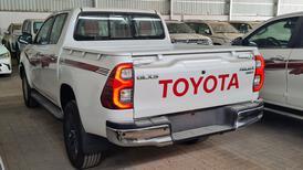تويوتا هايلكس GLX.S 2021 فل بريمي للبيع في الرياض - السعودية - صورة صغيرة - 6