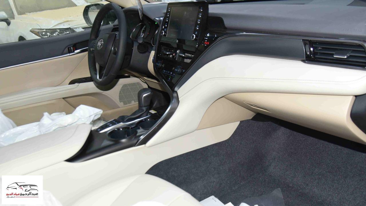 تويوتا كامري 2021   GLE.X  جلد  فتحة  شاشة  ملاحة هايبرد   سعودي  للبيع في الرياض - السعودية - صورة كبيرة - 9