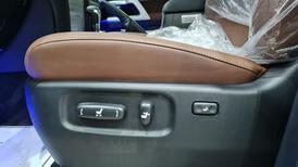تويوتا لاندكروزر VXR فل 2021 دبل بريمي جديد للبيع في الرياض - السعودية - صورة صغيرة - 10
