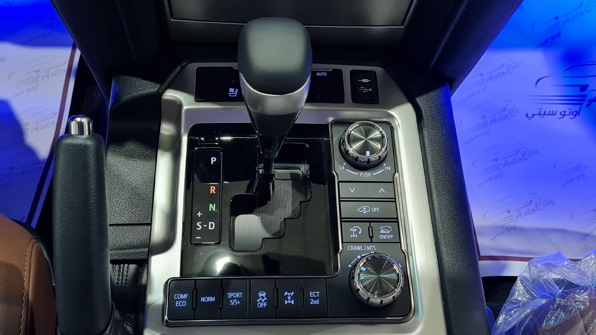 تويوتا لاندكروزر VXR فل 2021 دبل بريمي جديد للبيع في الرياض - السعودية - صورة كبيرة - 13